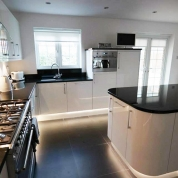 modern-kitchen-bespoke-lighting